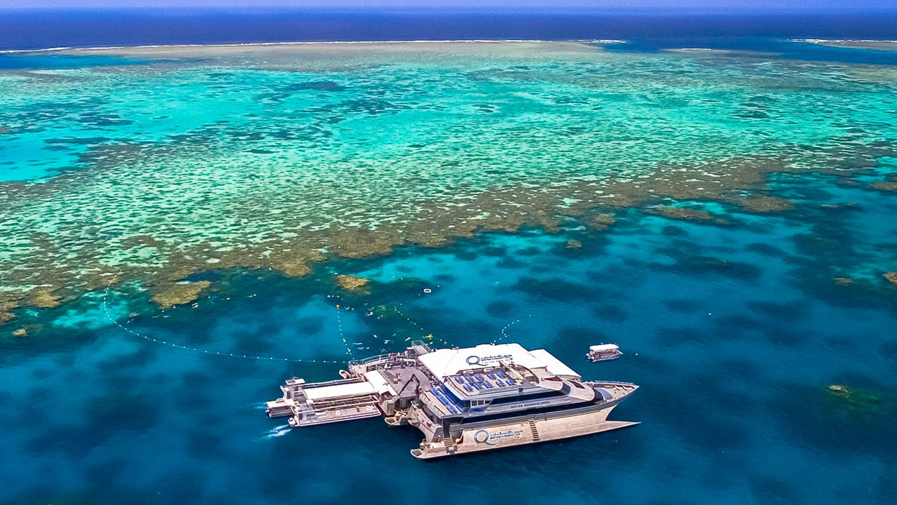 great barrier reef cruises & tours - port douglas & cairns